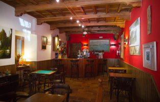 Bar-cafetería: reservado para nuestros clientes