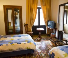 Montiel: dormitorio doble con un toque retro. Auténtico.